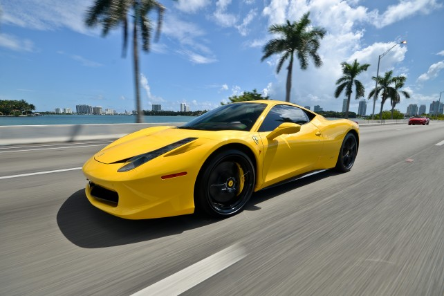 FERRARI 458 ITALIA YELLOW | Rent Lamborghini Miami
